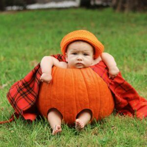 Baby-Dressed-As-A-Pumkin