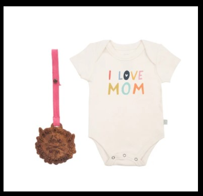 Best Infant baby clothing gift sets-Gift set 'I love Mum'.