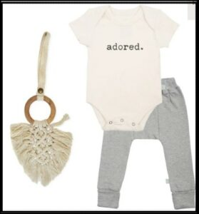 Best infant baby clothing gift sets-Organic gift set 'adored'.